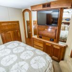 is a Cruisers 5470 Yacht For Sale in San Diego-15
