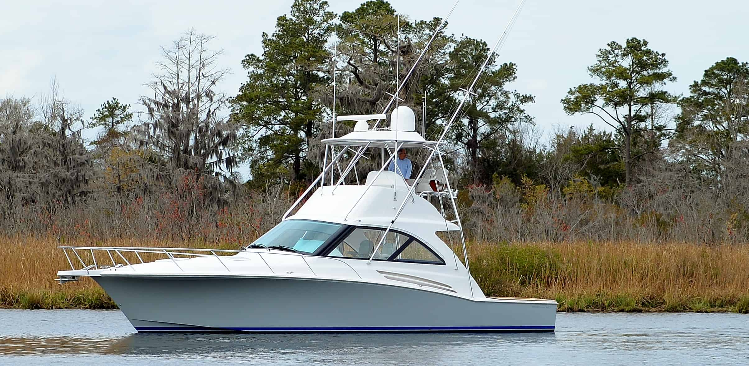 Hatteras GT45 Express Flybridge Port
