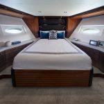 Hatteras M90 Panacera Forward VIP Stateroom