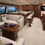 Viking 72 Convertible Full Salon