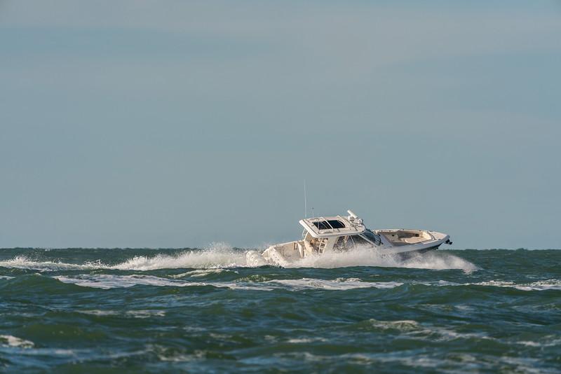 Boston Whaler 380 Realm Running