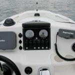 Boston Whaler 180 Dauntless helm