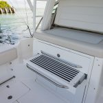 Boston Whaler 345 Conquest Seating