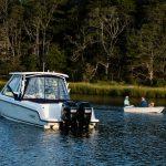 Boston Whaler 270 Vantage Running