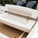 Boston Whaler 320 Vantage Seating
