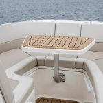 Boston Whaler 320 Vantage Table