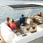 Boston Whaler 320 Vantage Lifestyle