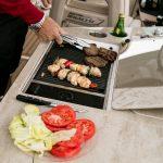Boston Whaler 320 Vantage Grill