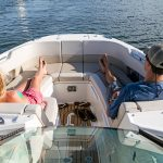 Boston Whaler 320 Vantage Bow