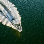 Boston Whaler 320 Vantage Running