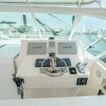Cabo 38 Express Helm
