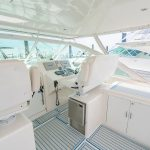 Cabo 38 Express helm Seating