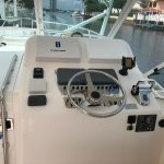 Cabo 32 Express Helm