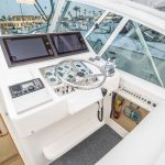 Cabo 35 Express Helm
