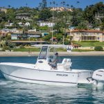 Regulator 25 Center Console fishing boat for sale by Kusler Yachts. Best style fishing boat for San Diego California waters.
