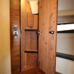 Boston Whaler 405 Conquest Closet