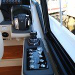 Boston Whaler 405 Conquest Controls