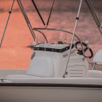Boston Whaler 170 Dauntless Helm