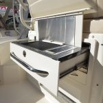 Boston Whaler 325 Conquest Grill