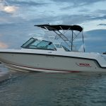 Boston Whaler 230 Vantage Anchored