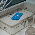 Boston Whaler 230 Vantage Seating
