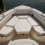 Boston Whaler 350 Outrage Bow