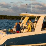 Boston Whaler 420 Outrage Grill