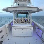 Boston Whaler 380 Outrage Stern