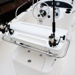 Boston Whaler 190 Outrage Helm