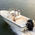 Boston Whaler 190 Outrage Running
