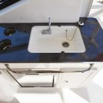 Boston Whaler 325 Conquest Sink