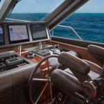 Ocean Alexander 100 Flybridge helm