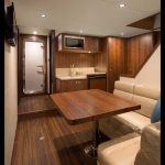 Ocean Alexander 100 Flybridge Lounge