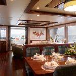 Alexander 100 Skybridge Dining