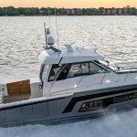 Ocean Alexander 45 Divergence Coupe Running