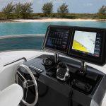 Ocean Alexander 70 Motoryacht Helm