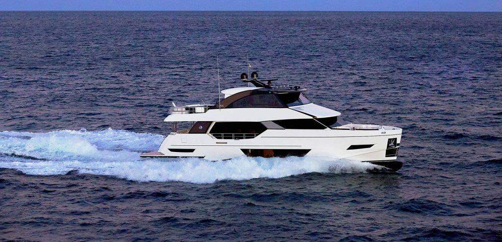 Ocean Alexander 84R Enclosed