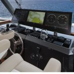 Ocean Alexander 85 Skylounge Helm