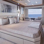 Ocean Alexander 90R Enclosed Berth